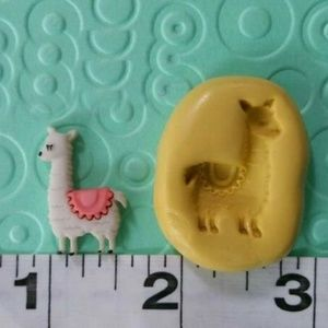 MUST BUNDLE   llama charm mold flexible